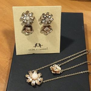 Chloe & Isabel necklace and earring set